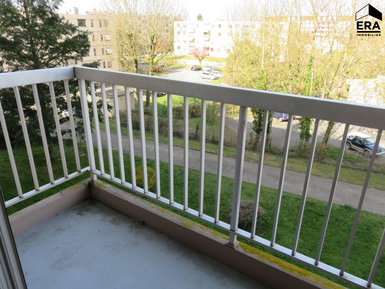 Appartement Bourg En Bresse T4 avec balcon, garage, parking privatif